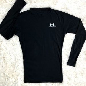 Under Armour Black Fitted Long Sleeve Tee Size MD